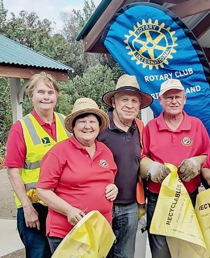 Rotary Club of Bribie Island. National Clean up Day-1